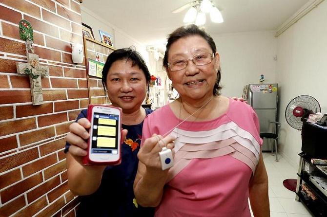 Nếu bạn đã tin rằng cha mẹ mình có thể dùng chiếc smartphone để thay đổi cuộc sống của mình theo chiều hướng tốt đẹp hơn thì điều tiếp theo bạn cần làm là khéo léo khuyến khích cha mẹ mình sử dụng smartphone.