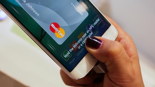 Được trang bị khá nhiều tính năng bảo mật cao, thiết bị cầm tay hoàn toàn có thể thay thế việc thanh toán di động trong tương lai.