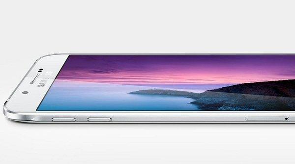 Quý 3/2015, Samsung bán smartphone nhiều gần gấp đôi Apple