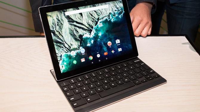 Sau khi ra mắt chiếc laptop chạy Android đầu tiên, Google cũng sẽ kết hợp Chrome OS vào Android với mục tiêu ra mắt sản phẩm hoàn thiện vào năm 2017.