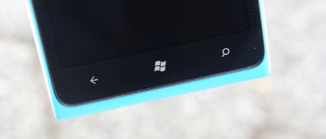 Chi phí phần cứng Nokia Lumia 900 là 209 USD