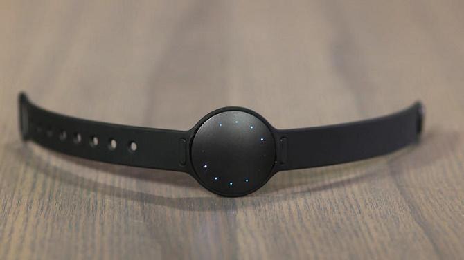 Công ty khởi nghiệp chuyên sản xuất smartwatch do người Việt sáng tạo đã được Fossil mua lại nhằm cạnh tranh tốt hơn với Apple Watch và các sản phẩm Android Wear.