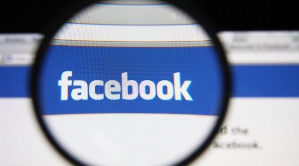 Lần theo từng đoạn chat để bắt tội phạm trên Facebook