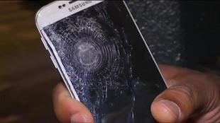 Một nạn nhân trong vụ nổ bom Paris được cứu sống nhờ smartphone