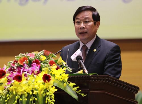 Bộ trưởng Nguyễn Bắc Son: 'Dùng facebook nói xấu nhau sẽ bị xử phạt'