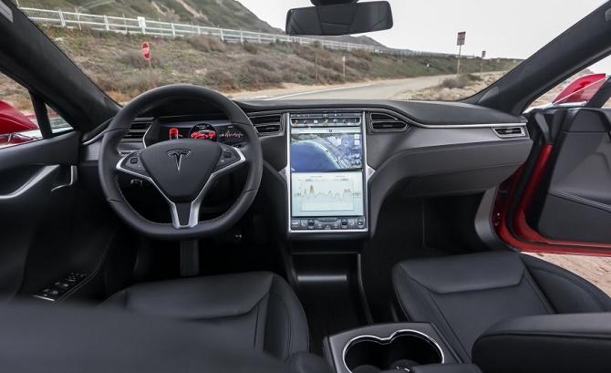 Công ty của tỷ phú Elon Musk đang tiến hành thu hồi toàn bộ những chiếc Model S để xác định xem dòng xe này có mắc phải lỗi dây an toàn hay không.