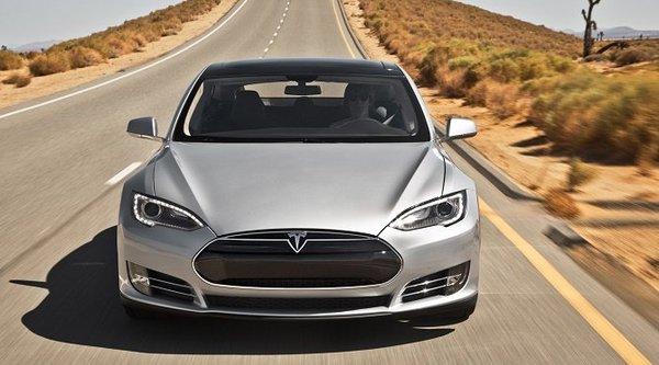 Nghi dây an toàn có vấn đề, Tesla Model S được kêu gọi thu hồi
