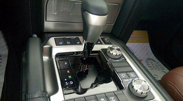 Những nguyên tắc cơ bản cần biết khi đi xe hơi số tự động