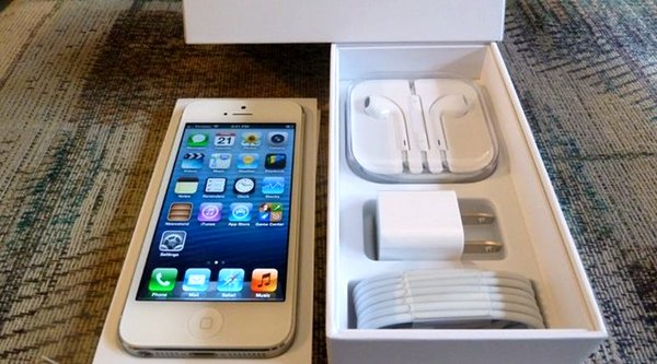 400 chiếc iPhone nhập lậu vào Việt Nam