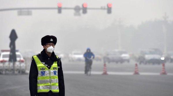 Ô nhiễm không khí trầm trọng, Bắc Kinh đóng cửa các nhà máy