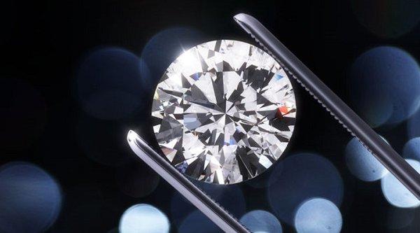 Q-carbon, vật liệu mới cứng và sáng hơn cả kim cương