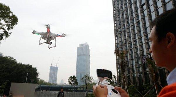 Trung Quốc hạn chế dùng drone nơi đông dân cư