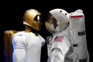 NASA dùng kính thực tế ảo để huấn luyện... robot