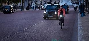 Luân Đôn thử nghiệm xe đạp dùng đèn laser