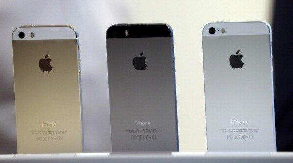 Bất chấp lệnh cấm, nhiều cửa hàng vẫn nhập smartphone cũ về nước