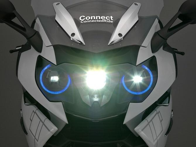 BMW giới thiệu concept mũ bảo hiểm thông minh và đèn laser