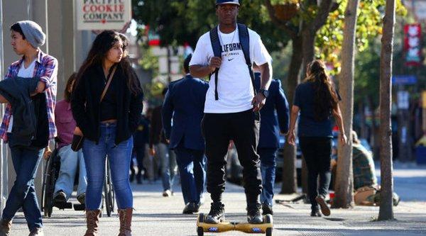 Các trường ĐH Mỹ xem xét cấm sử dụng hoverboard