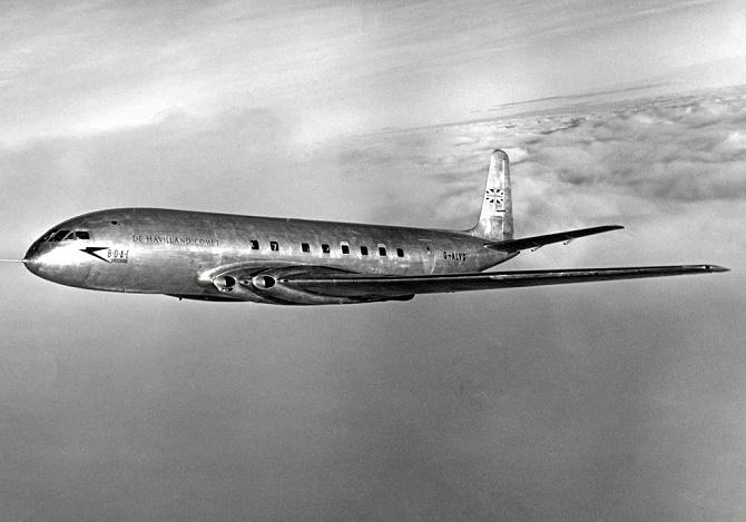 Chắc chắn bạn sẽ không thể tìm thấy một chiếc máy bay có cửa sổ hình chữ nhật. Hãy cùng BGR đi tìm hiểu lý do.