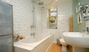 Cách vệ sinh nhà tắm nhanh và sạch