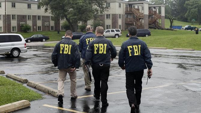Để bắt được 137 nghi can, FBI đã trực tiếp cung cấp nội dung khiêu dâm trẻ em tới 215.000 người.