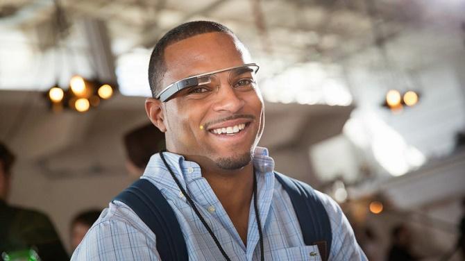 Tất cả các tài khoản chính thức của Google Glass trên Twitter, Instagram và Google+ đều đã bị đóng cửa.