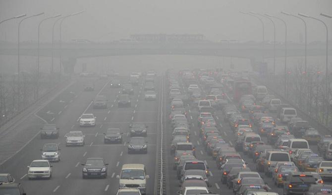 Tại nền kinh tế lớn thứ hai thế giới, những chiếc xe điện vốn được coi là thân thiện với môi trường lại trở thành một mối đe dọa lớn hơn tới môi trường.