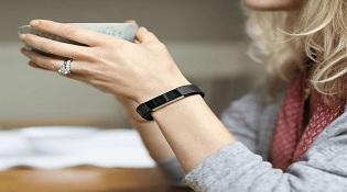 Fitbit ra mắt vòng đeo tay thể thao thời trang