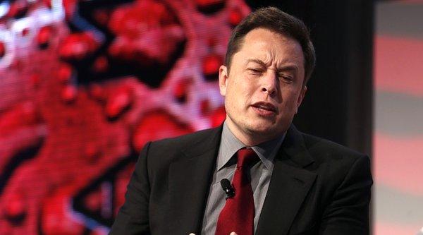 Bị cấm mua xe Tesla vì chê... Elon Musk