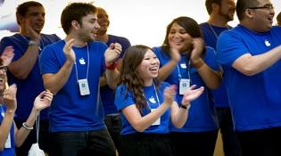 Nhân viên Apple có lương cao gấp đôi nhân viên Google