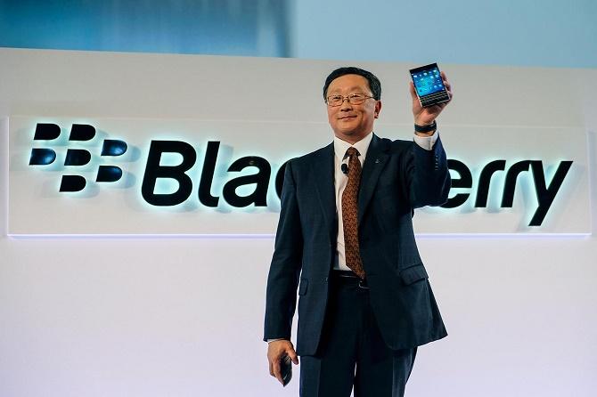 CEO John Chen cũng cho biết BlackBerry đã từng suýt nữa rời bỏ thị trường Pakistan vì bị chính phủ sở tại yêu cầu thiết lập cửa hậu lên sản phẩm của mình.