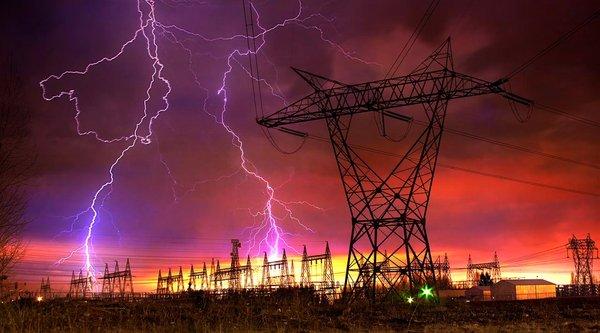 Hacker tấn công làm 250.000 dân Ukraina bị mất điện