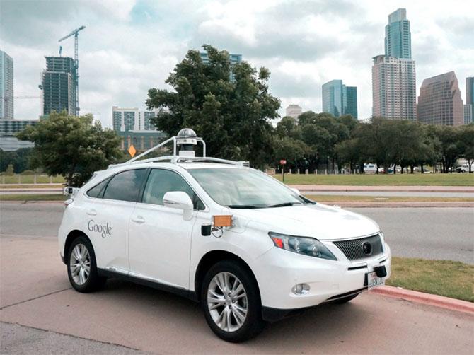 Xe tự lái của Google lần đầu tiên gây tai nạn
