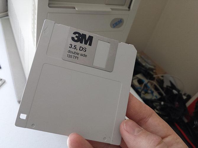 Độc đáo đĩa mềm có dung lượng… 128GB