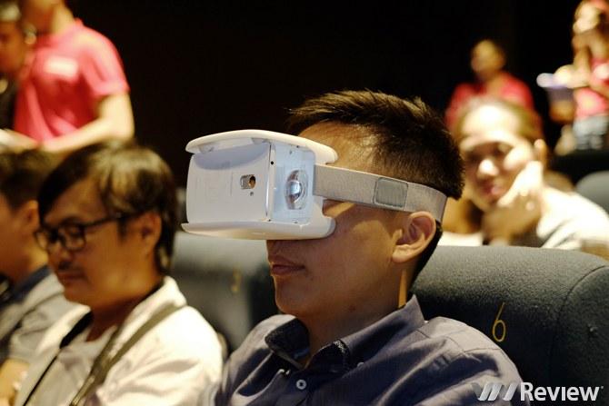 """Lenovo giới thiệu bộ """"đồ chơi"""" thực tế ảo TheaterMax"""