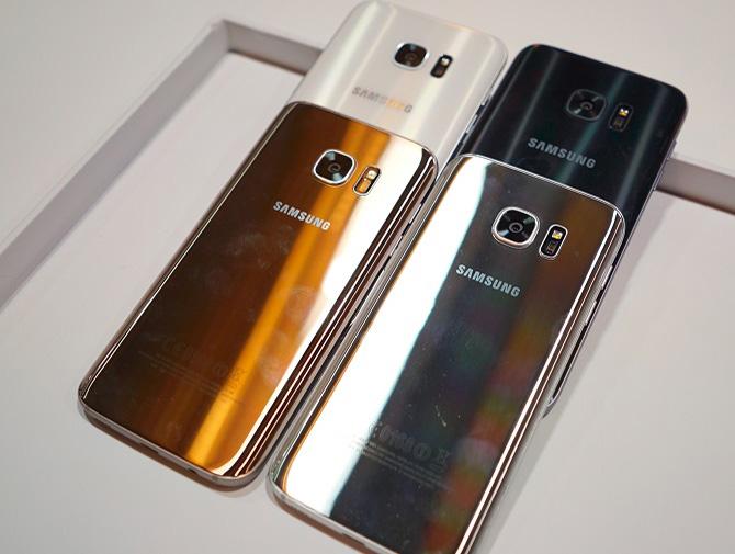 2 chiếc smartphone đến từ Hàn Quốc hứa hẹn là những đối thủ nặng ký nhất của làng smartphone Android năm nay, nhưng nếu chỉ chọn một, bạn sẽ chọn G5 hay S7?