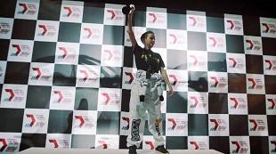 Teen 15 tuổi vô địch giải đua drone quốc tế đầu tiên