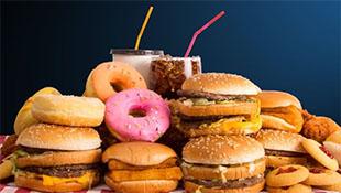 Anh sắp cấm quảng cáo đồ ăn nhanh trên mạng