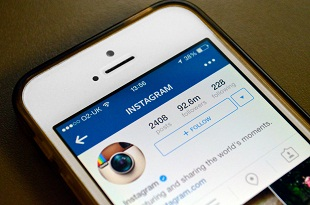 "Instagram sắp xếp lại ""Newsfeed"" theo kiểu... Facebook"