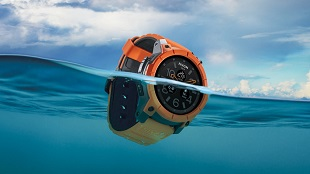 Ra mắt smartwatch có khả năng chịu nước... 100 mét