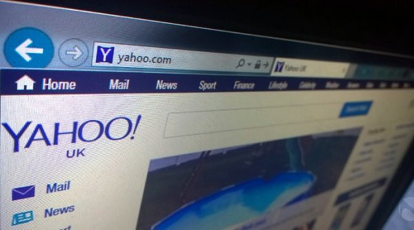 Microsoft tính chuyện mua lại Yahoo