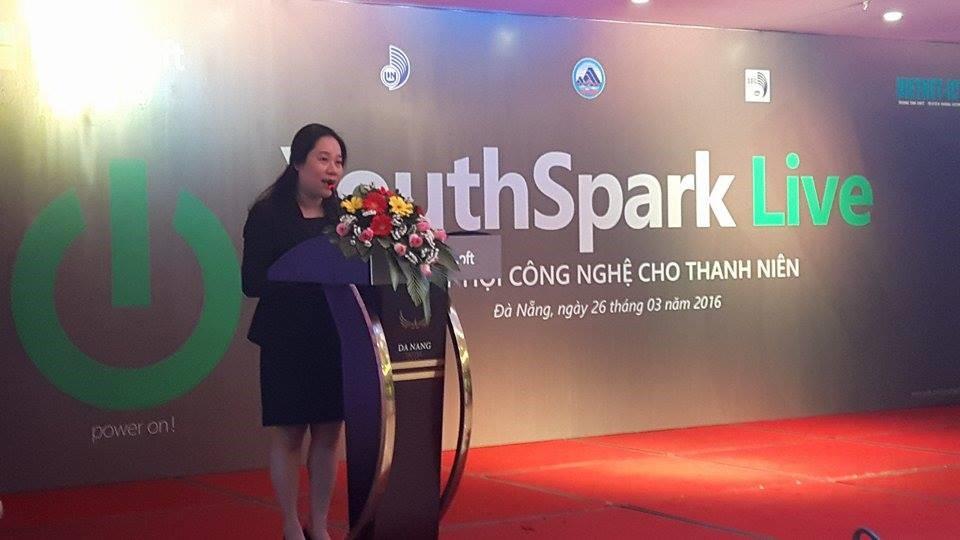 Hơn 10.000 sinh viên miền Trung tham dự Giờ lập trình