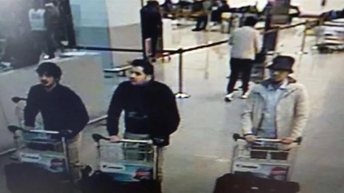 Làm thế nào để phục hồi DNA của tội phạm trong vụ đánh bom ở Brussels?
