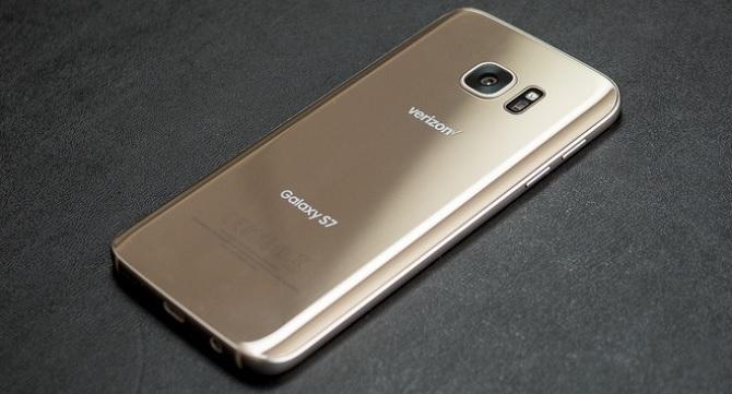 Doanh số Galaxy S7 vượt kỳ vọng trong tháng Ba
