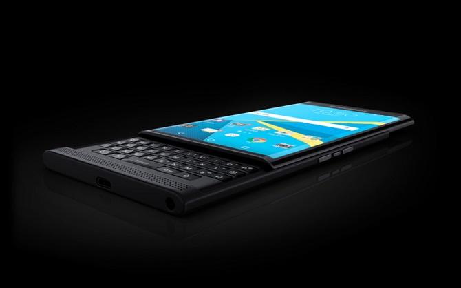 BlackBerry giảm giá 50 USD mỗi chiếc Priv