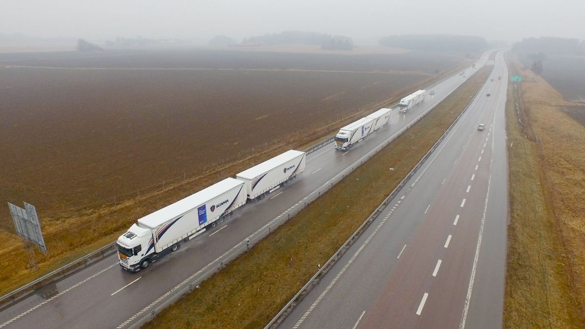 xe tải tự lái