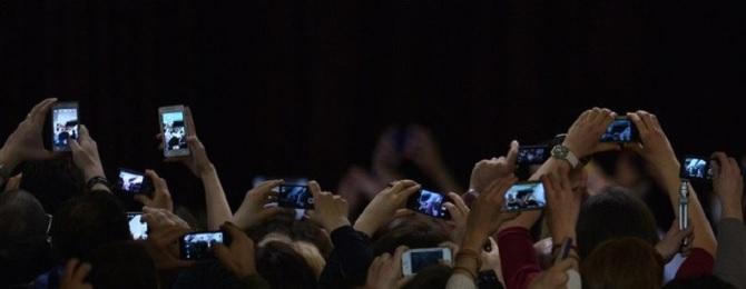 Người Mỹ ngày càng giữ điện thoại lâu hơn trước khi thay mới