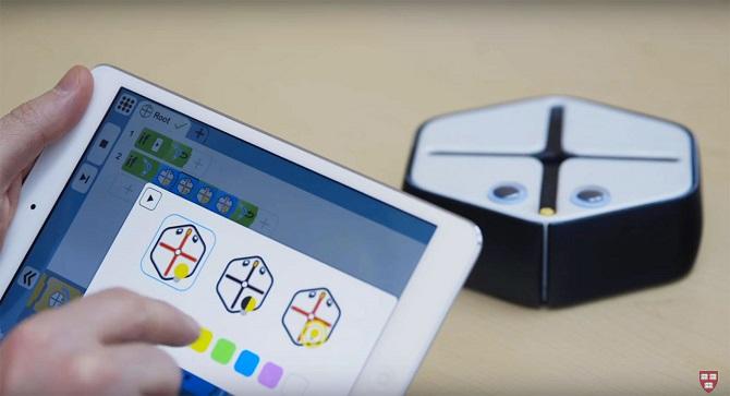 Chế tạo thành công robot dạy trẻ em lập trình