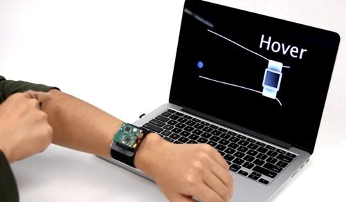 Công nghệ mới biến da tay thành màn hình cảm ứng cho smartwatch