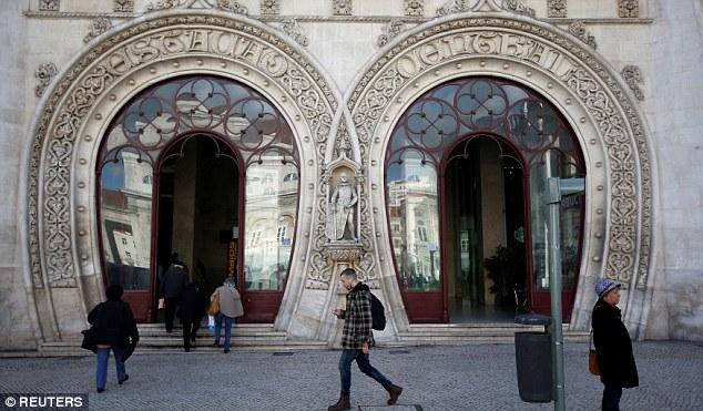 Ham selfie, người đàn ông phá vỡ bức tượng 126 năm tuổi