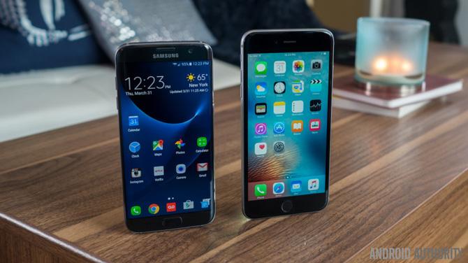 Đã từng có thời những mẫu đầu bảng Android có chất lượng kém hơn hẳn iPhone. Những ngày tháng đó qua đã lâu, nhưng tại sao Apple vẫn bán được iPhone ở mức giá cao?